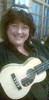 2007 - The Biscuit Factory - Dot levitatating a uke!