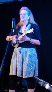 2015-09-02 Del Rey with Resonator Uke IMG_20150902_205645683 blog